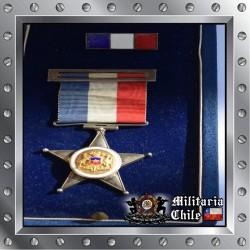 Estrella al Merito Militar F.F.A.A 10 años Oficiales de plata Chilean Army Medal made in silver
